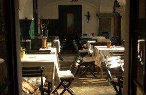 Rahofer Tische und Stühle
